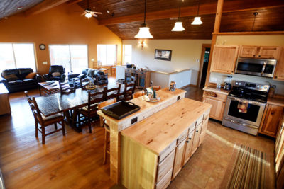 Eat In Kitchen with Living Area - River View Lodge