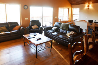 Main Floor Living Area - River View Lodge