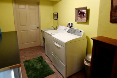 Washer and Dryer in the Vacation Rental Chisum Lodge