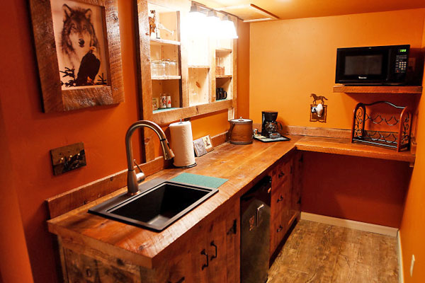 Wet Bar on Lower Level of the Chisum Lodge